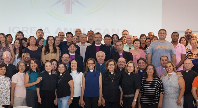 Members of Diocese of Recife the group that formed the new conservative Anglican denomination Anglican Church Brazil, in a group photo, 2016. / Blog Miguel Uchoa,