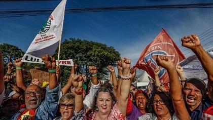 Supporters of former President Lula Da Silva. / Facebook Lula
