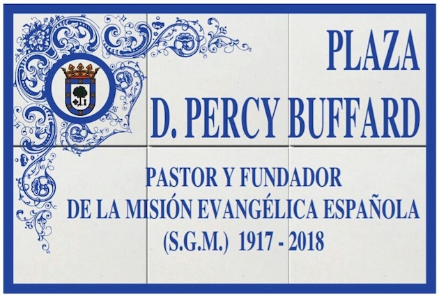 The square is named after the British missionary Percy Buffard.,