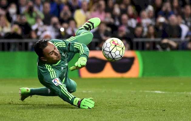 Keylor Navas, during the last FC Barcelona-Real Madrid game. / El País,