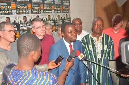 Mgliwé Sindinatome speaks to the media. / FOJEC