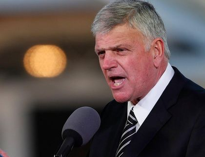 Franklin Graham preached the Gospel at his father's funeral, drawing attention to the biblical concept of love. / Youtube