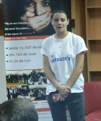 Hudnreds of volunteers are speaking about human trafficking in Romania. / V.P.