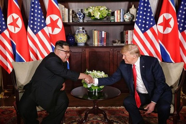 North Korea's Kim Jong Un and USA's Donald Trump during the Singapore summit. / Donald J. Trump Facebook,