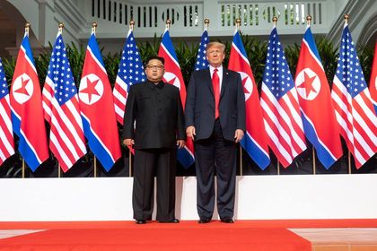 Both leaders after signing the statement. / Donald J. Trump Facebook