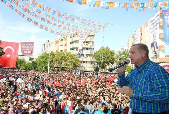 President Erdogan, speaking at an outdoor event during the 2018 Presidential campaign. / Facebook Recep Tayyip Erdogan,