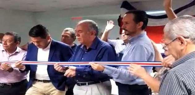 Evangelical leaders in Costa Rica pray during the online inauguration of Evangélico Digital. / Javier Bolaños