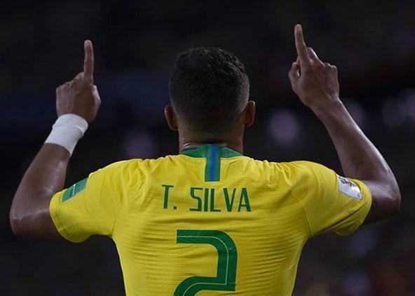 Thiago Silva thanks God during a World Cup match. / Instagram thiagosilva_33,