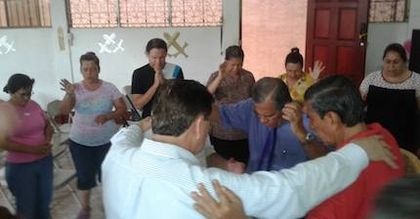 Pastors of the Nicaraguan Evangelical Alliance pray together for their country. / Nicaraguan Evangelical Alliance