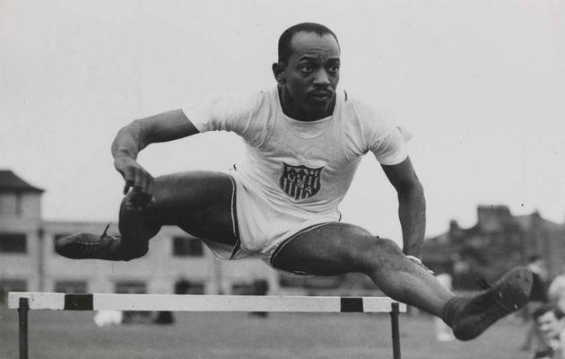 Harrison Dillard in the hurdles Olympic Games London. / Wikimedia.,