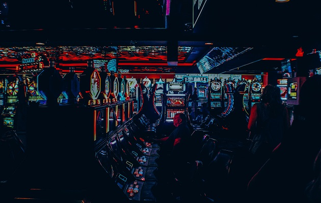 Virtual gaming companiesin Spain have practically tripled their investments in the last five years. / John Schnobrich, Unsplash CC,