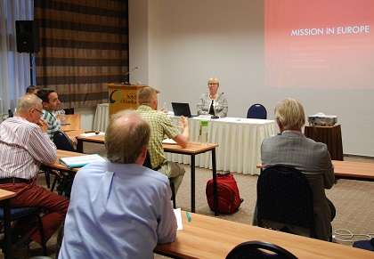 A session of the biennal conference of the FEET held in Prague, August 2018. / Gert Hain