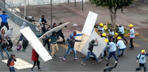 Alianza Lima hooligans and members of an evangelical church in the city clash. / El Comercio,