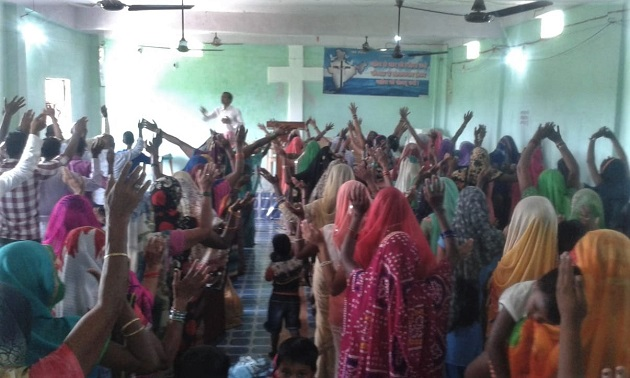 Church at worship in Jaunpur District, Uttar Pradesh on Sept. 16 in spite of persecution by Hindu extremists. / Morning Star News,