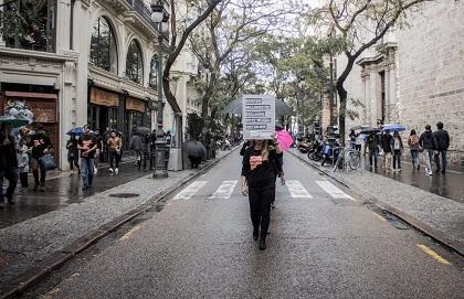 Walking through the centre of Valencia. / R. Paramio, thesecretkey.es