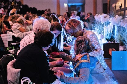 Small groups are the essence of MIP. / Moms in Prayer Switzerland