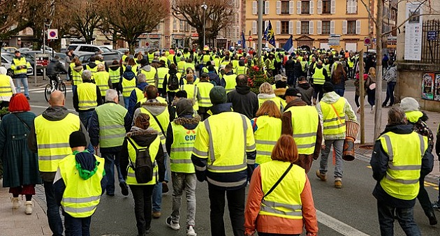 The yellow vest movements have organised protests across France. / Photo: Thomas Bresson (Wikimedia, CC),