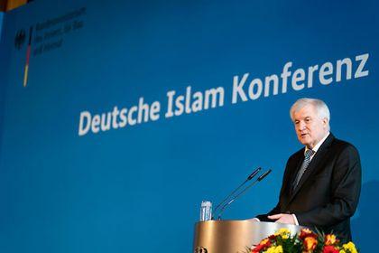 Horst Seehofer, the German Interior Minister, during his speech. / Henning Schacht. DIK
