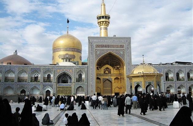 Shrine of Imam Ali Reda in Mashad, Iran. / Iahsan at English Wikipedia,