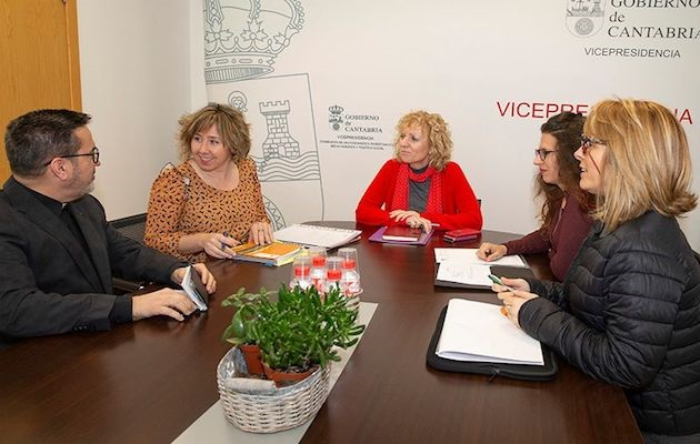 Meeting of the directors of the evangelical organisation Nueva Vida and the Vice-President of the Region of Cantabria. / Gobierno de Cantabria.,