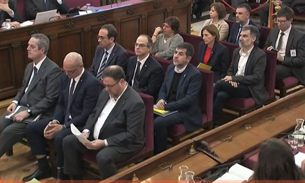 The twelve defendants at the Spanish Supreme Court, as the trial began on February 12, 2019. / Livestream Supreme Court,
