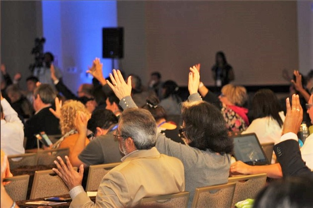Evangelical politicians and church leaders prayed for Venezuela at the Ibero-American Congress of Family and Life. / Tiwtter @Congresoiberoa,