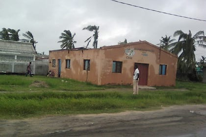 A church of the Baptist Convention of Mozambique, after loosing its roof. / CBM
