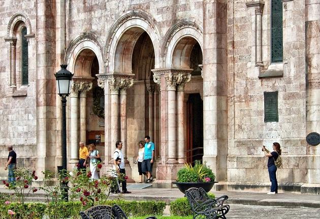 A Roman Catholic church in Asturias, Spain. / Pxhere,