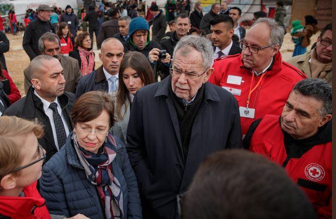 President of Austria Van der Bellen visits a refugee camp in Lebannon. / Twitter A. Van der Bellen