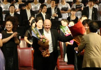 Sam Rotman in a concert in China. / Sam Rotman website
