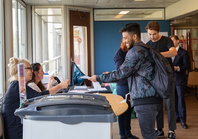 Dutch citizens vote in Amsterdam, the European election, 23 May 2019. / Gemeente Amsterdam,