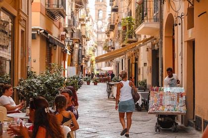 A street in Palermo, capital of Sicily. / Danilo Vieira, Unsplash CC0