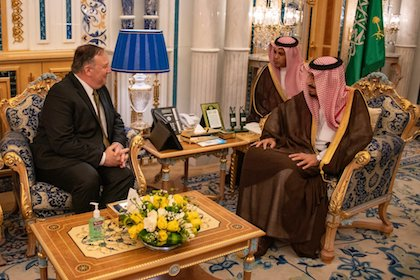 USA Secretary of State, Mike Pompeo, in a meeting with King of Saudi Arabia, Salman bin Abdulaziz. / Twitter @SecPompeo