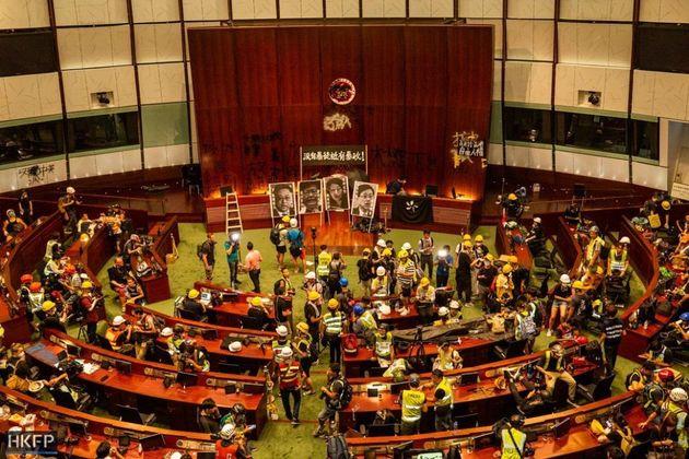 Protesters stormed Hong Kong legislative building. / @HongKongFP twitter,