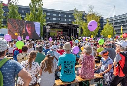 Testimonies, music and speeches were heard at the end of the march. /Marsch Fürs Läbä