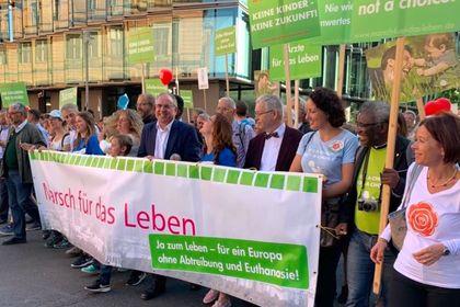 The head of the demonstration. / Marsch für das Leben.