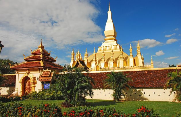 Pha That Luang in Vientiane, the capital of  Laos, is a national symbol. / Aaron Smith. Wikipedia, CC,