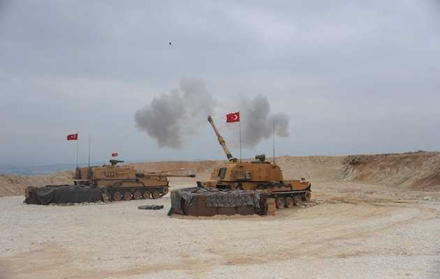 Turkish armed forces fighting at the Turkey-Syria border. / Twitter @TKSGnkur,