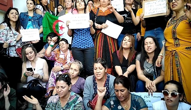 Algerian Christian women sing as they demand religious freedom in a peaceful demonstration in Tizi-Ouzou, October 2019. / Video capture Facebook Chrétiens en Algérie. ,