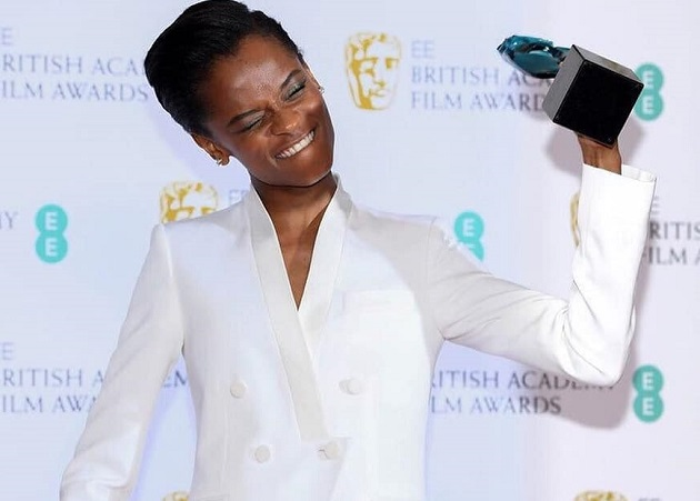 Letitia Wright, after winning the 2019 BAFTA rising star award. / Facebook Letitia Wright Italia,