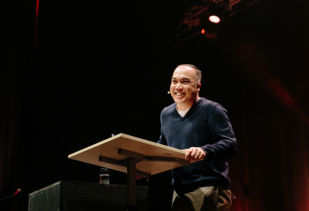 John Teter, in one of the morning Bible exposition on Acts 1-5. / Photo: Revive Europe
