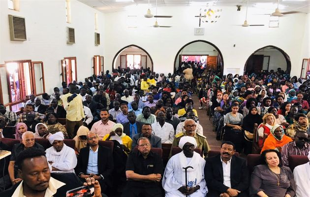 Muslim government officials attend Christmas service at Khartoum Bahri Evangelical Church. / Facebook.,