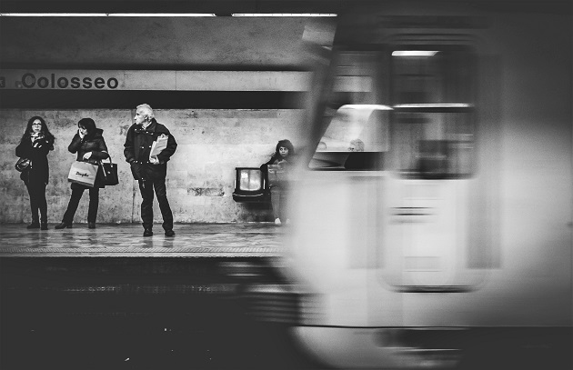 A metro station in Rome, Italy. / Mauricio Artieda (Unsplash, CC0),