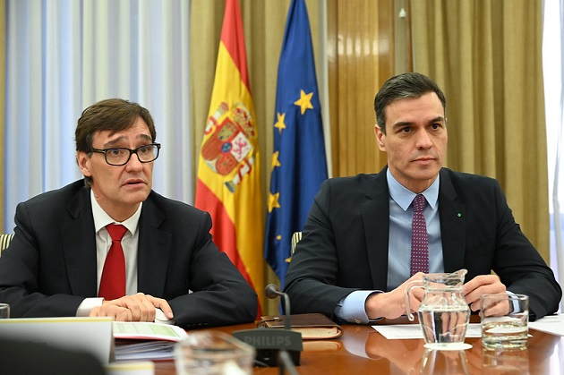 Health Minister Salvador Illa and the Prime Minister of Spain, Pedro Sánchez, during an emergency exit of the coronavirus crisis. / Flickr, La Moncloa (CC),