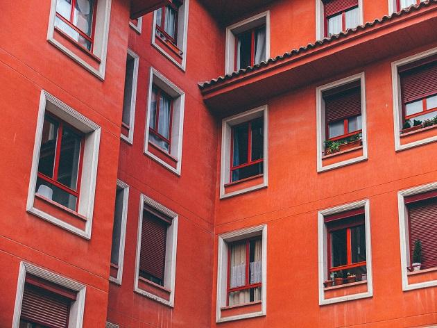A building in Madrid, Spain. / Z. Rowlandson (Unsplash, CC0),