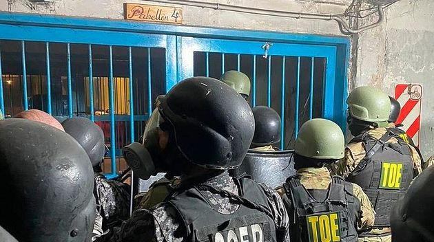 Law enforcement in one of the prisons in Santa Fe, Argentina. / ED,
