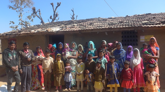 Members of a Christian community in a rural area of India. / Evangelical Focus, sources.,