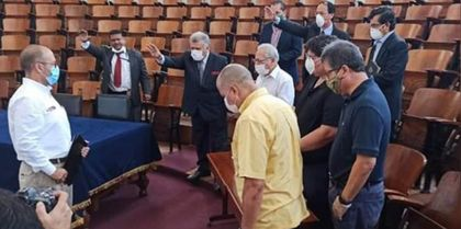 Peruvian Minister of Health , Víctor Zamora, met with evangelical leaders. / Evangelico Digital.