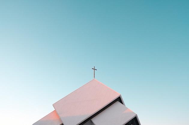 A church building in Iceland. / A. Hojo (Unsplash, CC0),