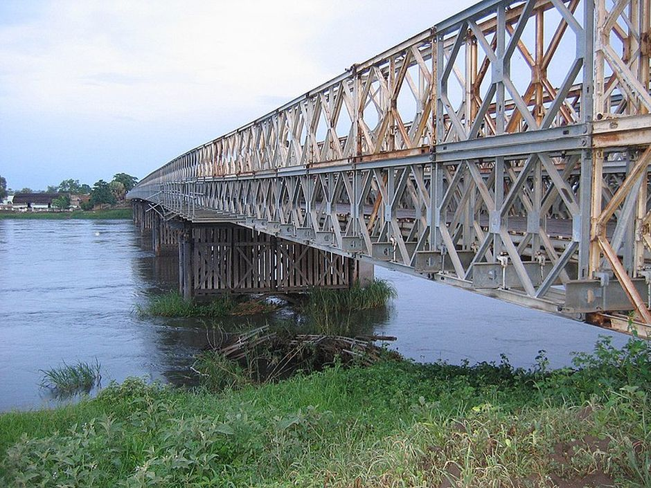 "Steel bridge over the White Nile in Juba, Sudan. / <a target=""_blank"" href=""https://en.wikipedia.org/wiki/File:Sudan_Juba_bridge.jpg"">Wikipedia</a>, CC0.,"